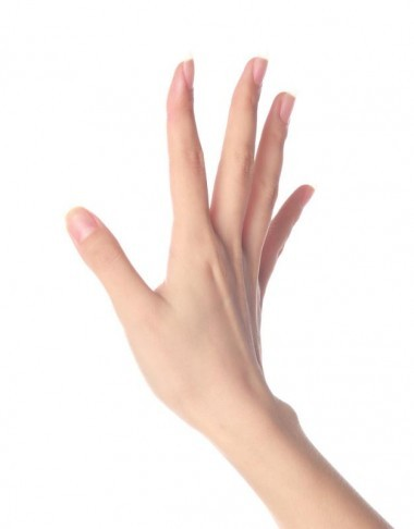結婚指輪の似合う手に!未来の花嫁の為のハンドケア方法 | 婚約指輪 ...