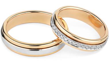 結婚指輪に使われる「コンビ素材」の魅力とは