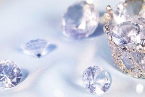 インドからイギリスへ。人々を魅了した魔性のダイヤモンド「コ・イ・ヌール」