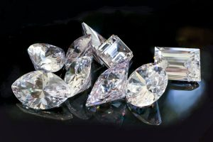 婚約指輪の主役、ダイヤモンドのカットの種類