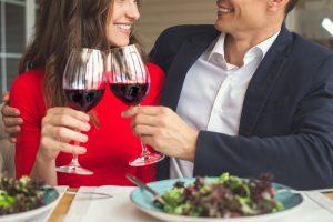 カップルでも夫婦でも。11月22日「いい夫婦の日」どう過ごす?